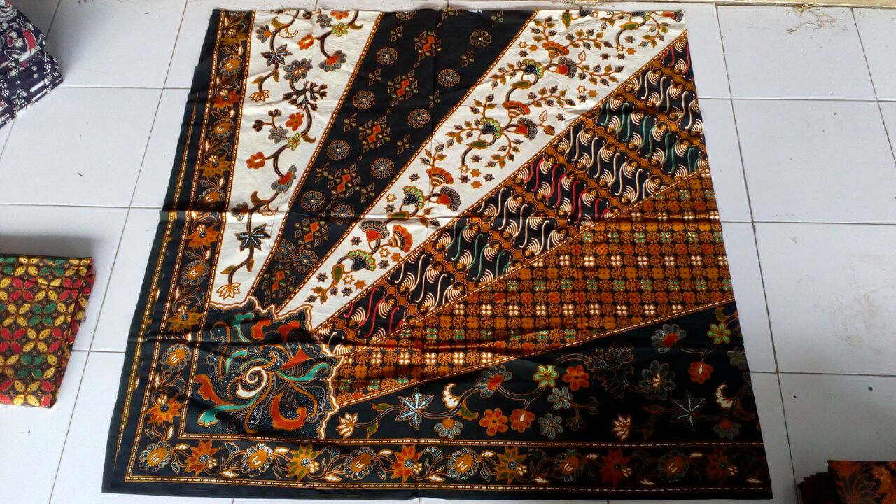 Seragam Batik Manado